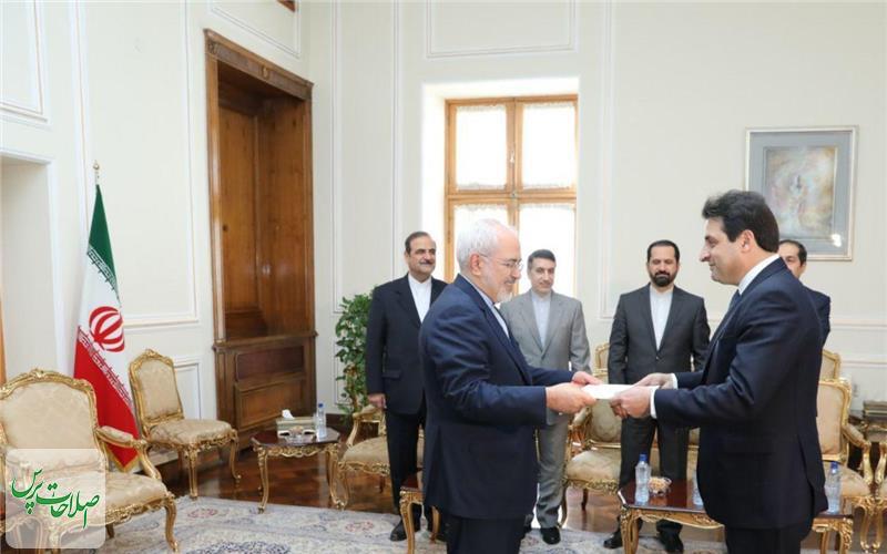 سفیر-لبنان-استوارنامه-خود-را-تقدیم-ظریف-کرد