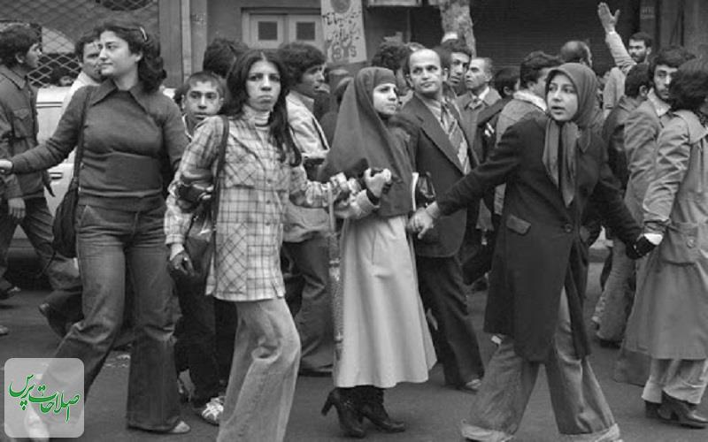 نقش-زنان-در-پیروزی-انقلاب
