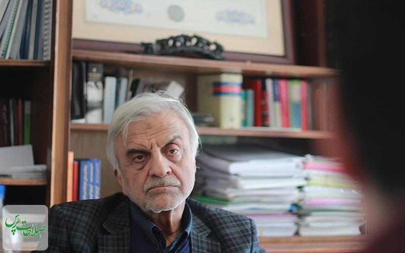 اصلاحطلبان-مقابل-احمدینژاد-خیلی-نجابت-به-خرج-دادند-مجلس-یازدهم-میخواهد-با-نفی-دولت،-خود-را-اثبات-کند