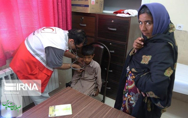پزشکان-داوطلب-هلالاحمر-۱۱۳۰-بیمار-را-در-نهبندان-و-خاش-معاینه-کردند