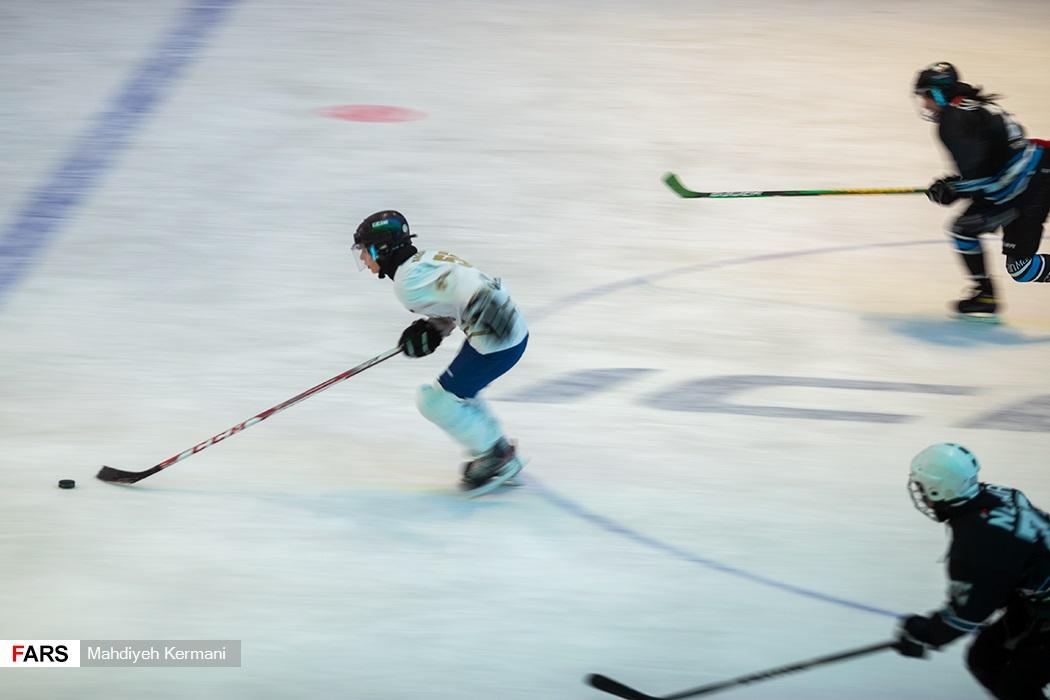 تمرین-تیم-ملی-هاکی-روی-یخ-بانوان