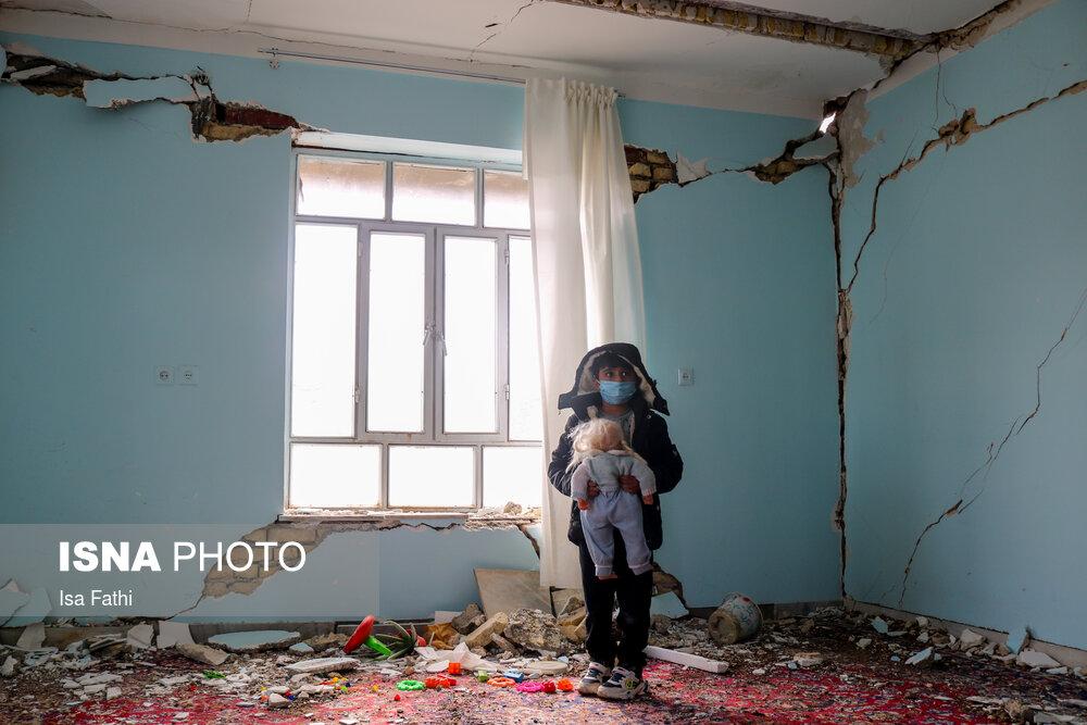 تصاویر-غم-انگیز-از-سیسخت؛-یک-هفته-پس-از-زلزله