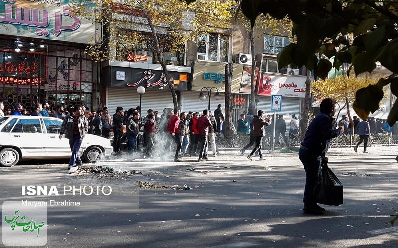 مردم برای شکم خود به خیابانها میآیند و با هیچ حکومت و دولتی خصومت ندارند